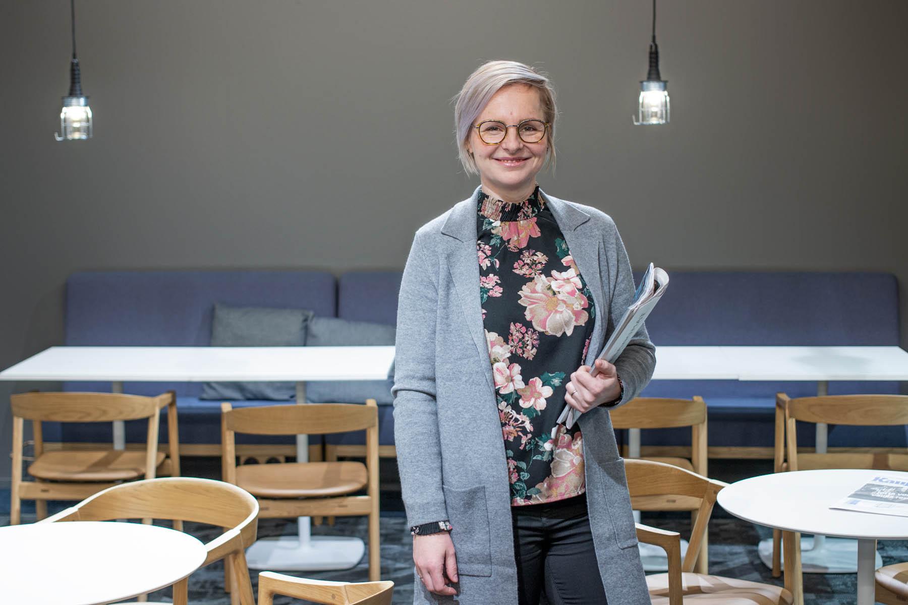 HAMKista MBA:ksi valmistunut Helinä toimii tunneäly-valmentajana
